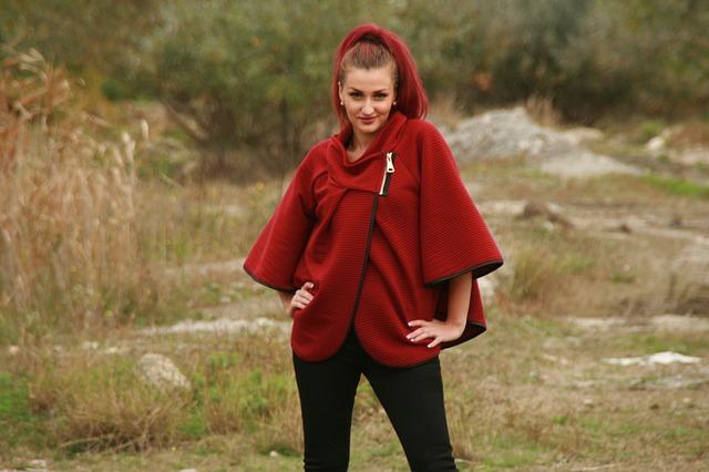 červený kabátek