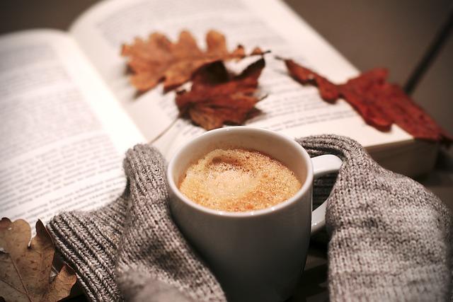 Horká káva a svetr